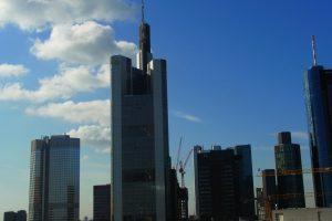 German language school Frankfurt study German trainer in-company.