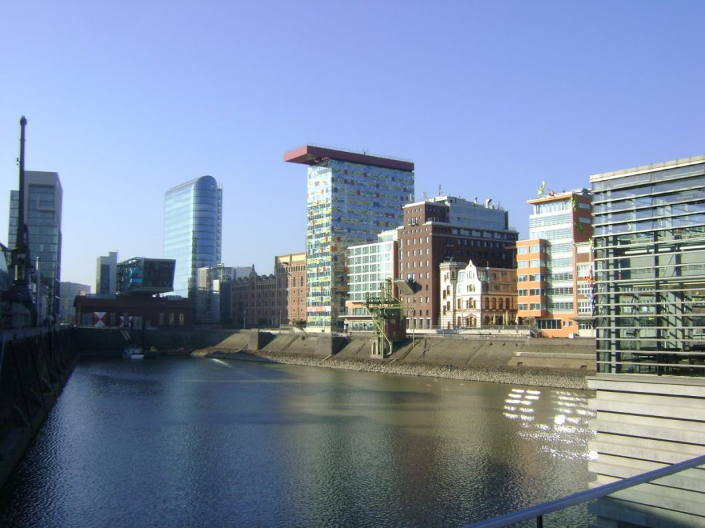 Sworn certified notarial interpreters Frankfurt Germany